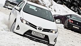 Toyota Auris: Скучать не придётся